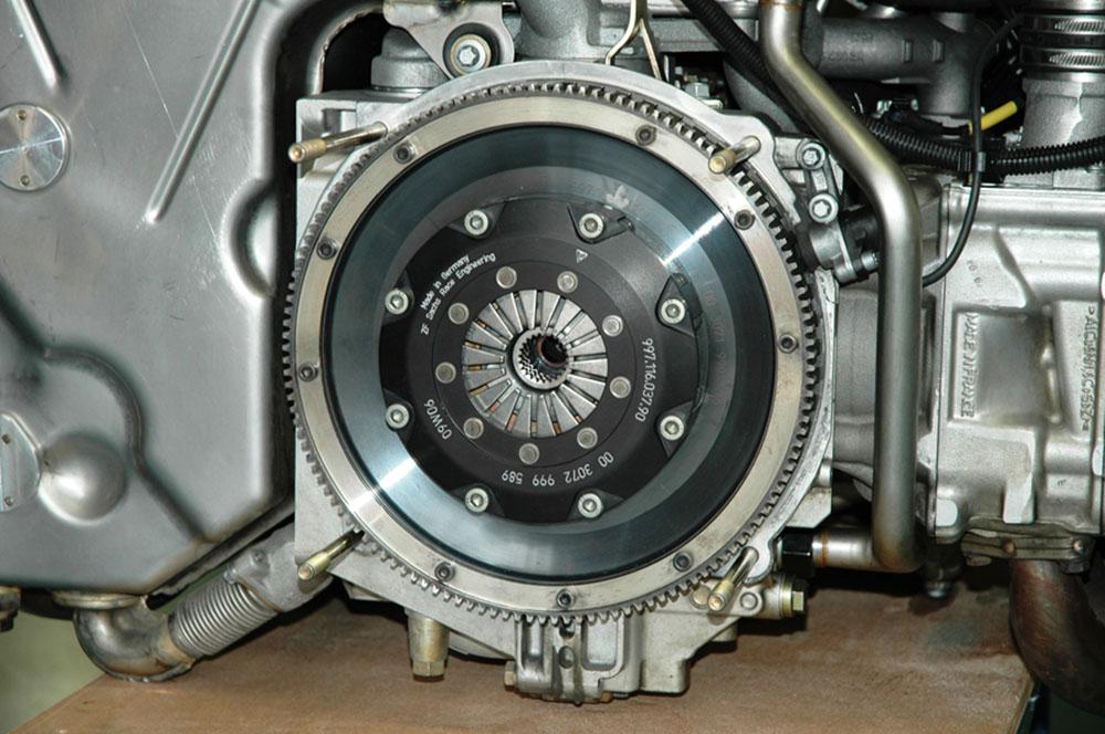 Aletier mécanique sur Porsche